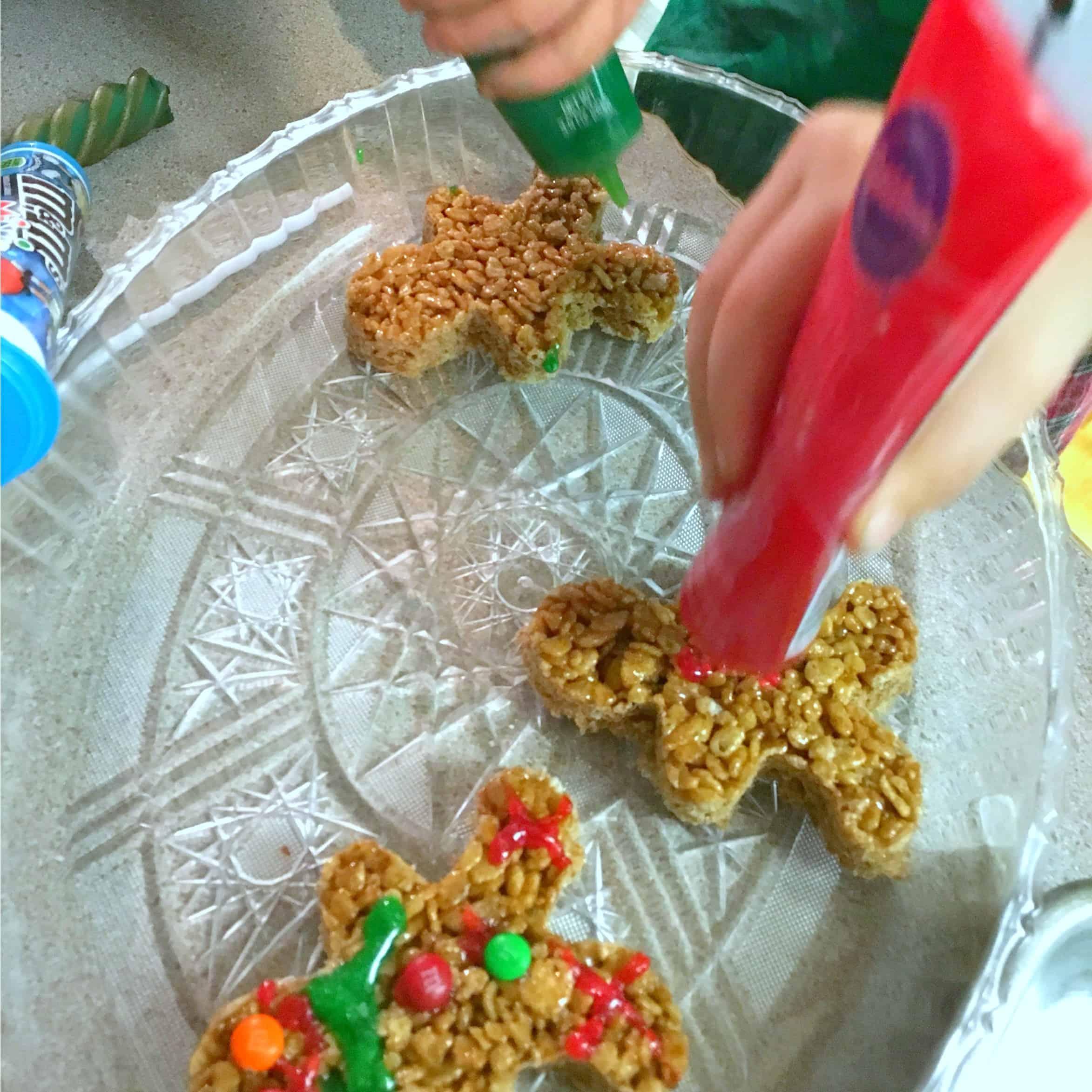 rice-krispie-decorating