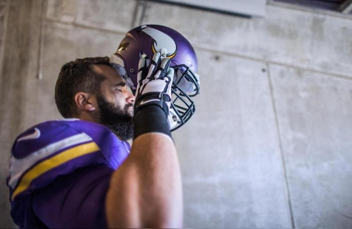 Vikings need to cut Matt Kalil