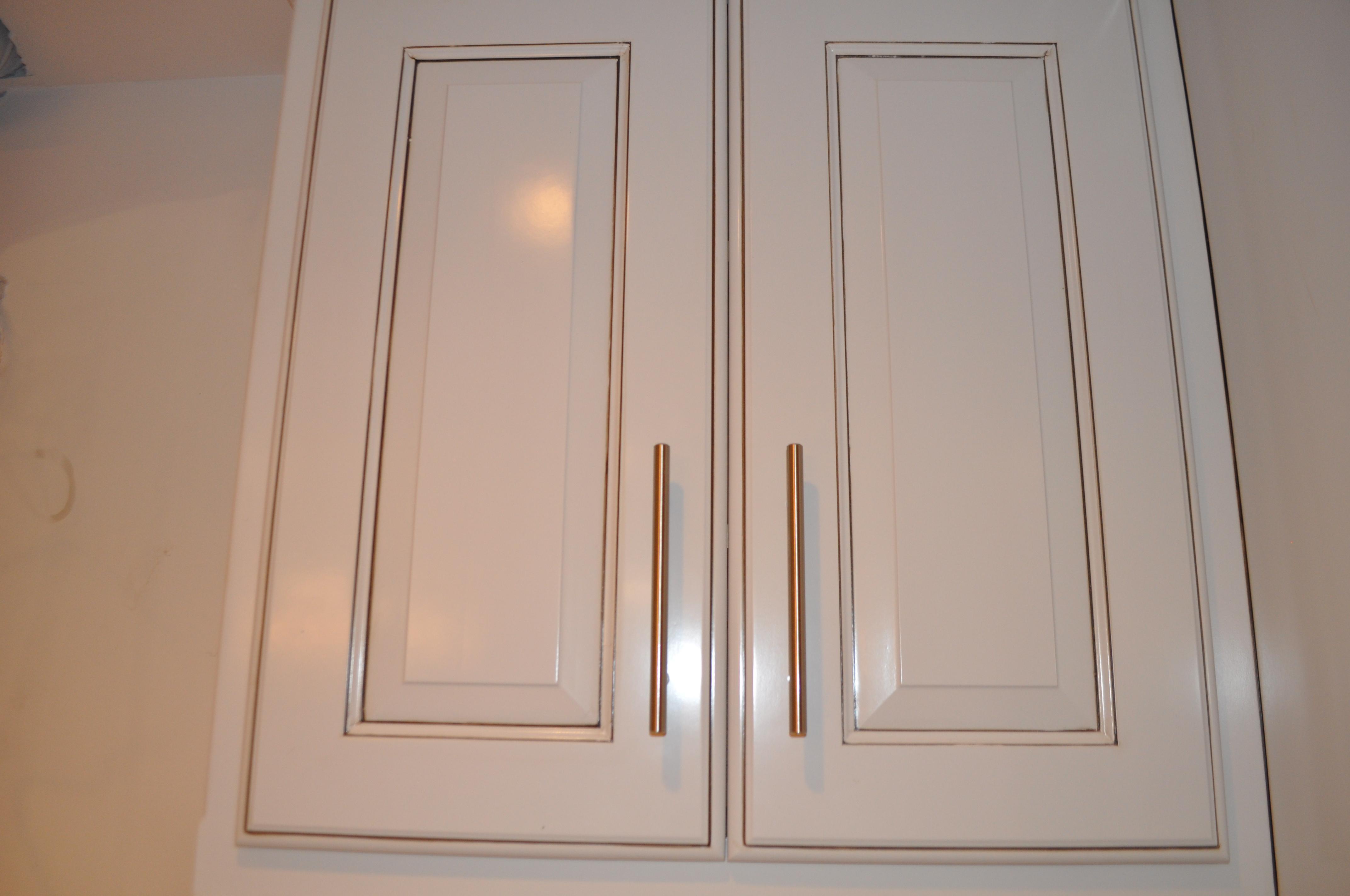 kitchen cabinets door knobs kitchen cabinets knobs Amazing Kitchen CabiDoor Handles