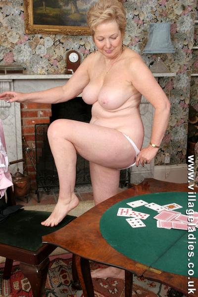 village ladies undressing - Image 4 FAP