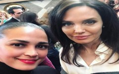 Angelina Jolie y Celines Toribiogran encuentro en evento de Los Golden Globes 2018