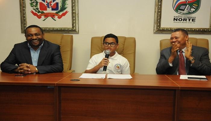 """Estudiantes de Villa Mella participan en el programa """"Regidor por un Día"""""""