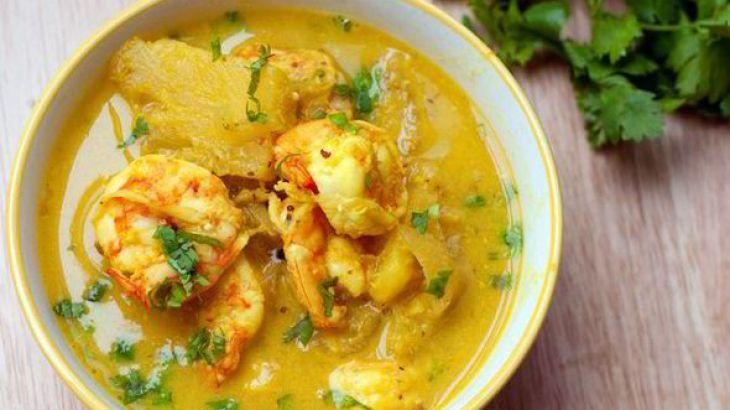 chemmen manga curry, prawns mango curry, nadan chemmen curry kerala style