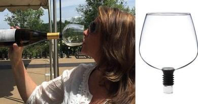 Это необычное решение поможет вам пить вино прямо из бутылки.