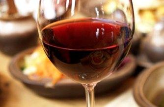 Vino: un bicchiere di salute per il sistema cardiocircolatorio