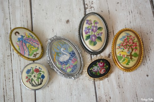 novelty-embroidered-vintage-brooches