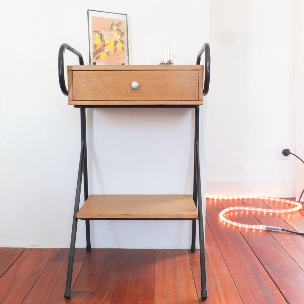 chevet jacques hitier m tal noir et bois mat vintage magic. Black Bedroom Furniture Sets. Home Design Ideas