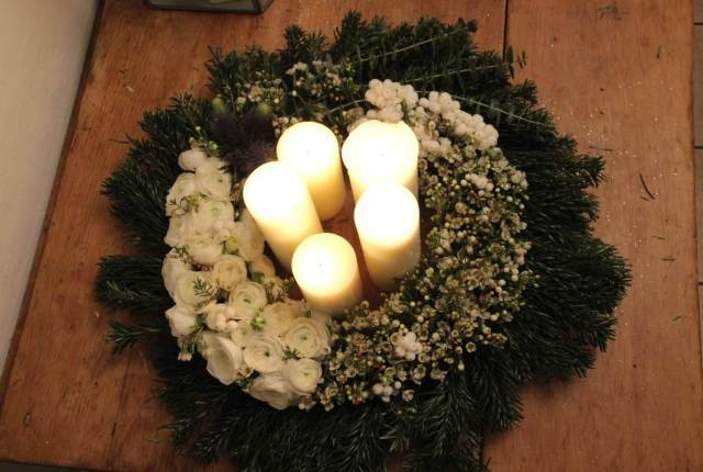 How to Make a Vintage Winter Wedding Table piece by National Vintage Wedding Fair 8