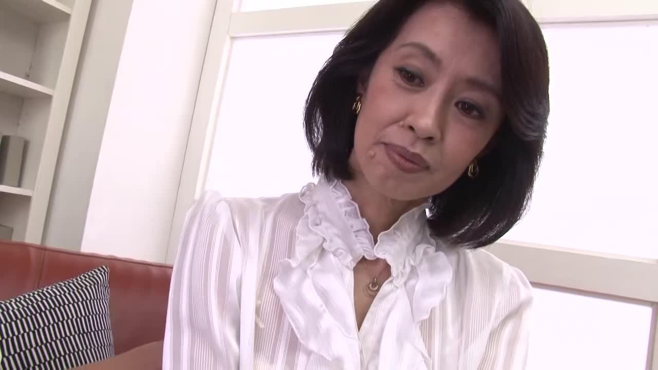 セレブの熟女の無料obasan動画。セレブな五十路熟女妻!