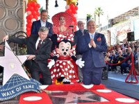 MINNIE MOUSE RECIBE ESTRELLA EN PASEO DE LA FAMA EN HOLLYWOOD3 (1)