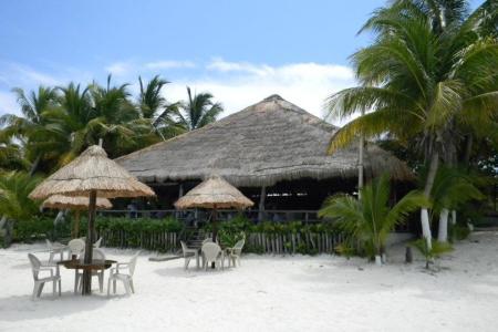 1421936546 89 flamingos restaurant