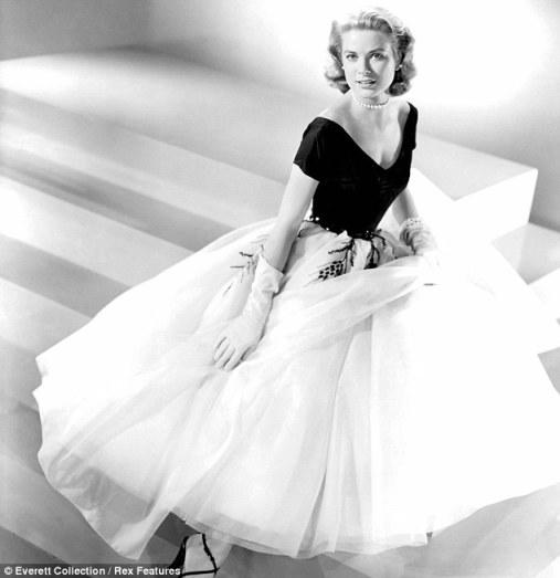 Grace Kelly wearing Edith Head's design