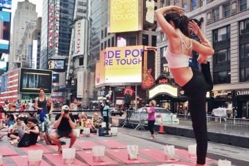 Lindsey Calla times square yoga Summer Solstice   Photo by Ksenia Avdulova