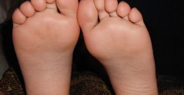 feet-179233_960_720
