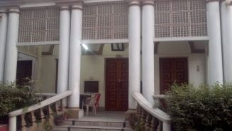 Entrance to Hyderi Mansion