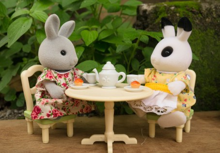Outdoor tea-time with Lady Bunny and Lady Blackberry