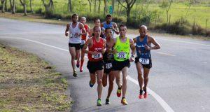 Corredores de todas partes de la Isla participan anualmente del Maratón Santo Cristo de la Salud en Peñuelas.