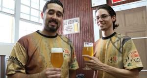 Luis Esteban Rodríguez Lugo y Armando Rodríguez Oquendo son los creadores de Señorial Brewing Company, con sede en Ponce. (Voces del Sur)