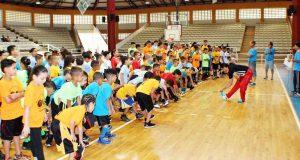 El alcalde de Adjuntas, Jaime Barlucea Maldonado, indicó que iniciativa busca el desarrollo de categorías menores para que los niños y niñas se mantengan activos.