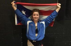 Deshimar Rodríguez lució con orgullo la bandera de Puerto Rico luego de su primer combate en MMA.