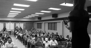 La licenciada Alexandra Lúgaro participarán en el Foro sobre la soberanía el viernes, 7 de abril, en el Centro Cultural Carmen Solá de Pereira en Ponce.
