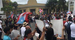 Manifestantes ocuparon el casco urbano de Ponce como parte del Paro Nacional.