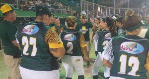 Las Jueyeras de Maunabo necesitan dos victorias para revalidar como campeonas del sóftbol femenino.