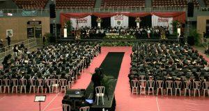 Cientos de estudiantes obtuvieron sus grados asociados y de bachilleratos en diversos programas académicos.