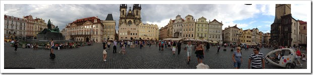 prague-oldtownsquare1-600px_thumb