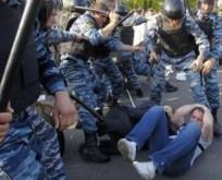 избиение полиция