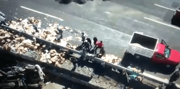 video-arrollan-reporteros-trabajadores-cubrian-primer-accidente