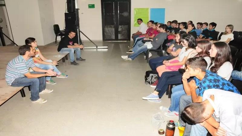 Jóvenes participaron en proyección de cortos y debates sobre Derechos Humanos