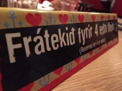 Hihi, IJslands is grappig