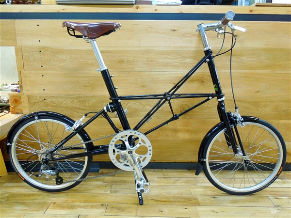 moulton_tsr9_blk_custom_01