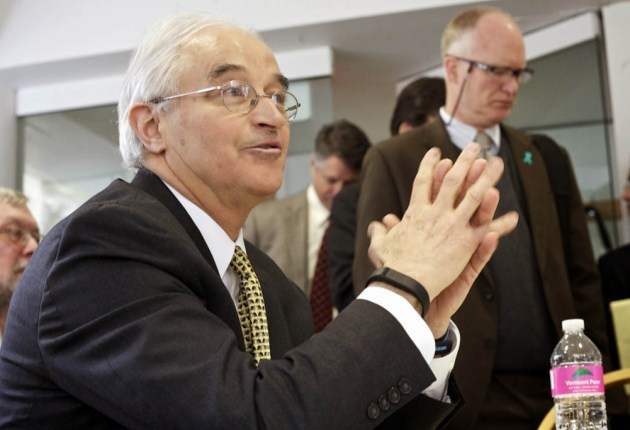 U.S. solicitor general, 18 states and Harvard back Vermont in health data case
