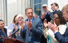 Shumlin signs bill to foster options for birth control