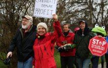 Marchers raise a ruckus about railroad's plans in Shelburne