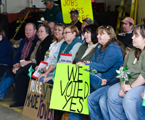 Kingdom Community Wind supporters at a rally held in Lowell. VTD/Josh Larkin
