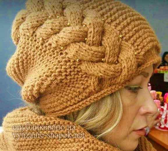 Вязанная шапка с одной косой 62