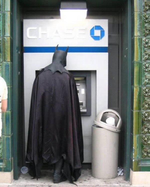 strange people at atm 08 10 Strangest People At ATMs