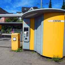 Paketstation an der Werdener S-Bahn.