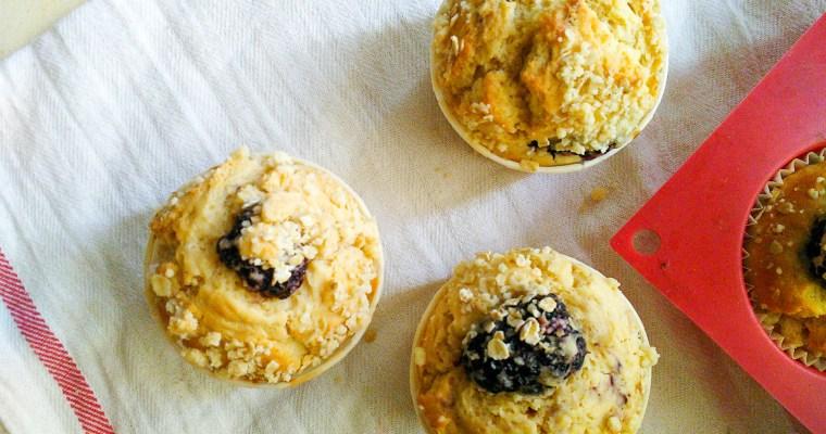 Muffins aux mûres et aux flocons d'avoine