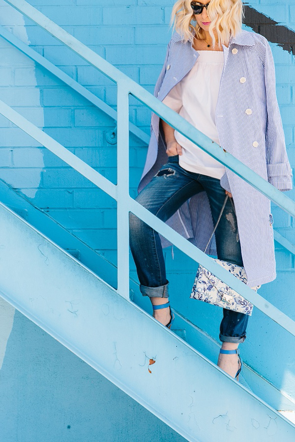 Light blue trench coat with boyfriend jeans