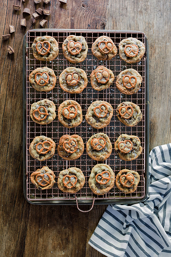 Chocolate chip peanut butter cup cookies with pretzels & sea salt, recipe by @waitingonmartha