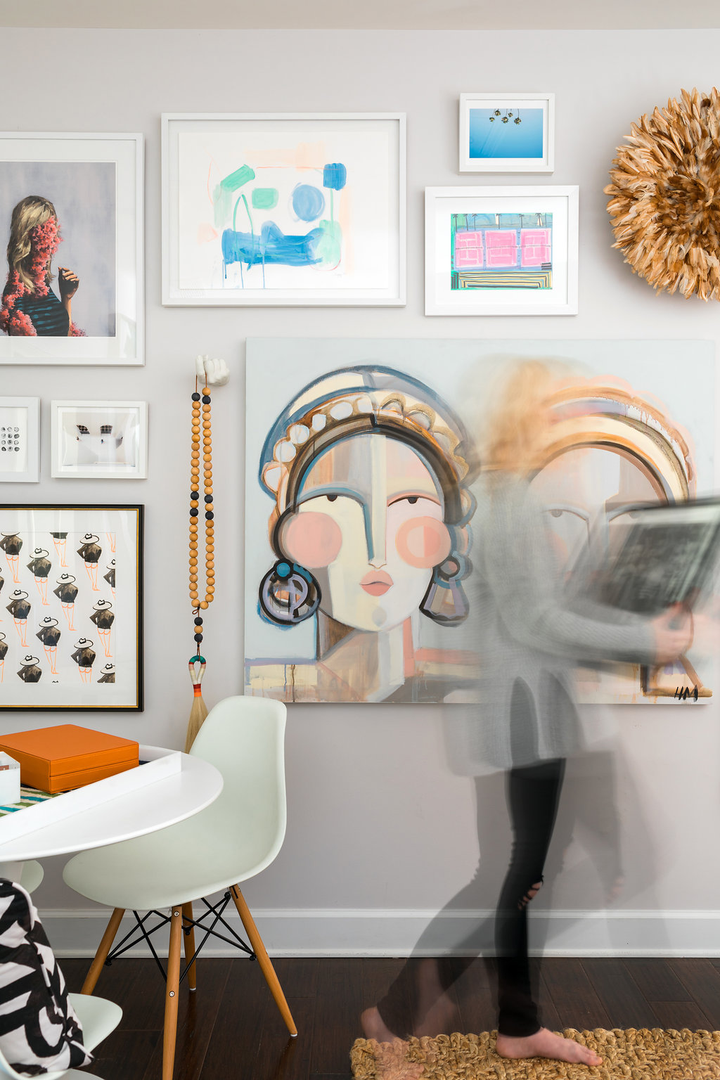 How to arrange a gallery wall complete with our favorite natural feathered juju hat, waitingonmartha.com
