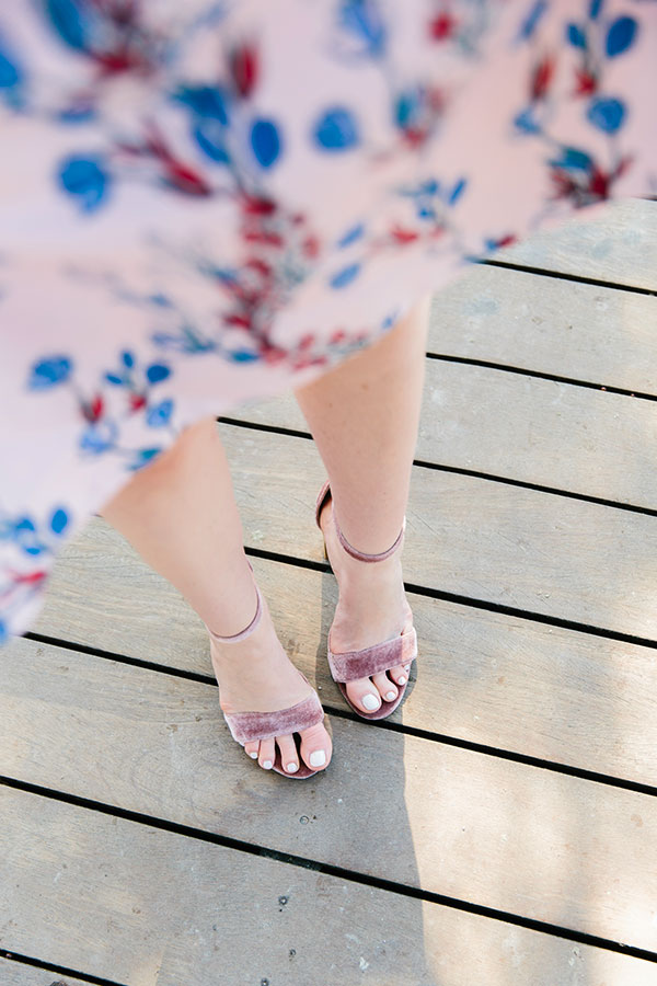 Pink velvet heels on waitingonmartha.com