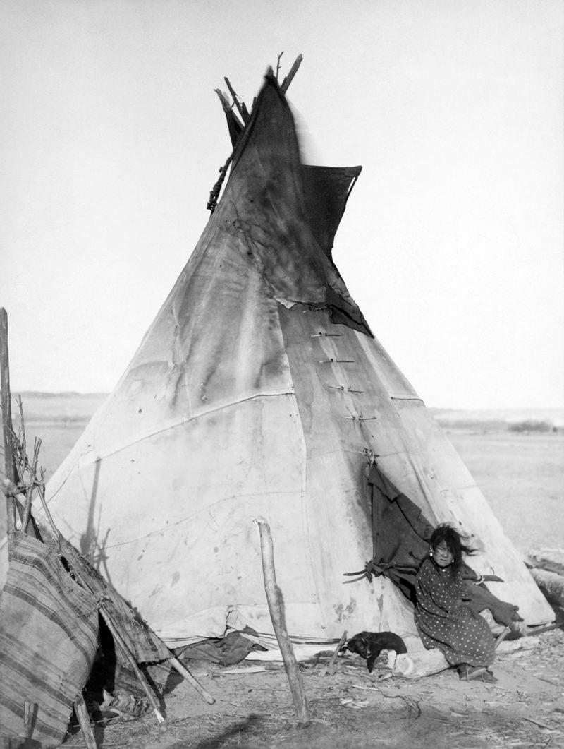 An Oglala Lakota tipi