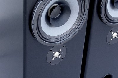 Tim Returns to review the Tekton Design Lore loudspeaker, a $1000 USD marvel