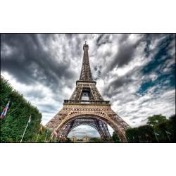 Small Crop Of Eiffel Tower Wallpaper