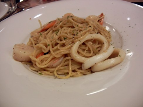 Black pepper seafood spaghetti